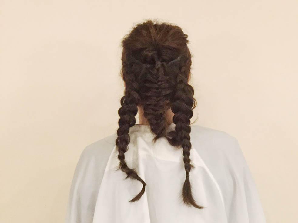どんな髪質の人でもオシャレになる!! 外国人風編み込みアレンジの作り方を解説!3