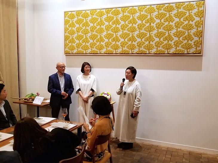 左から音羽和紀氏、笛吹雅子さん、石村由起子さん。