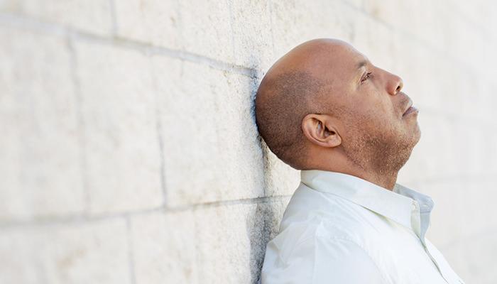 更年期障害に悩む男性