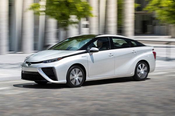 トヨタ、カナダ・ケベック州で燃料電池自動車「MIRAI」のフリート販売を開始