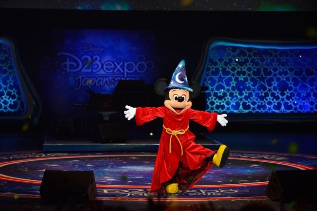 「オープニングセレモニー」に登場したミッキーマウス (C)Disney