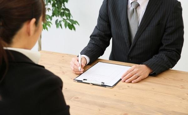 企業怕家長迫子女辭職,推出家長向的小冊子和說明會