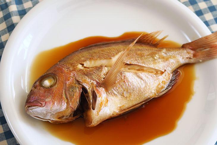 完成した一尾魚の煮付けは、身がふっくら仕上がっており、筆者もここまでおいしい魚の煮付けが作れたのは初めての経験だった。