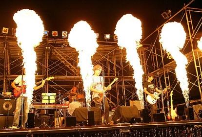 音楽イベントで使われた火の演出効果