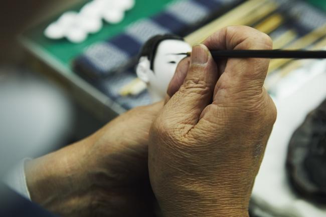 伝統工芸士による全行程手作りの作品です。