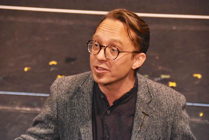 演出補のジャン・ピエール・ヴァンダースペイ