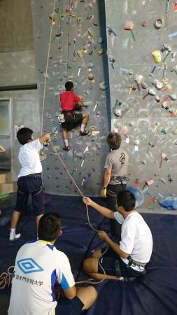 福井で行われた第1回の様子。クライミングを初体験したのは14歳~19歳の7名。