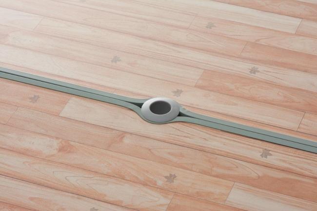 パラソルホール付きなので日よけ・雨除け対策も万全。アジャスターは、最大直径32mmまで対応可能。