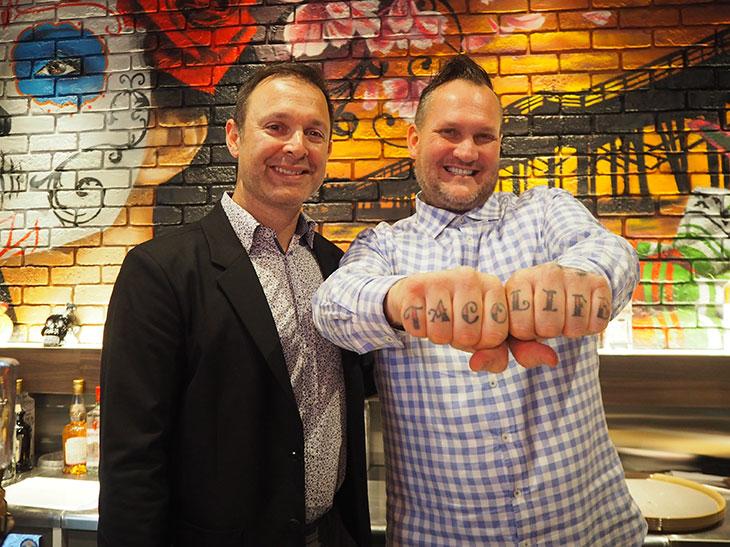 アメリカの店舗展開を推進している米国法人のCEOのマイケル・モハメッド氏(左)と創業者のランディー・ワイナー氏(右)