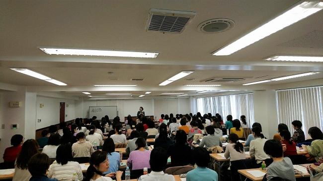 関西初開催時 お母さん110名が参加