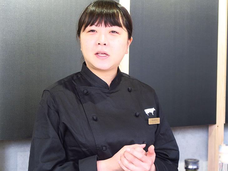 千葉さんは利酒師の資格も持つ。蔵元との交流を礎に、日本酒の魅力を広く伝えるコラボレーションも多数行う