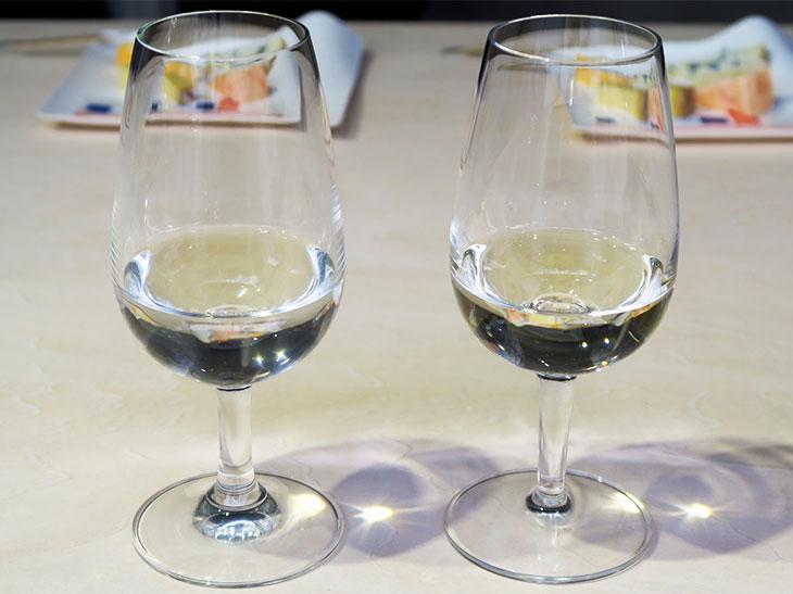 今回のミニセミナーでは日本酒がワイングラスに注がれた。日本酒の香りを楽しむなら、口の広いグラスを使うといい。