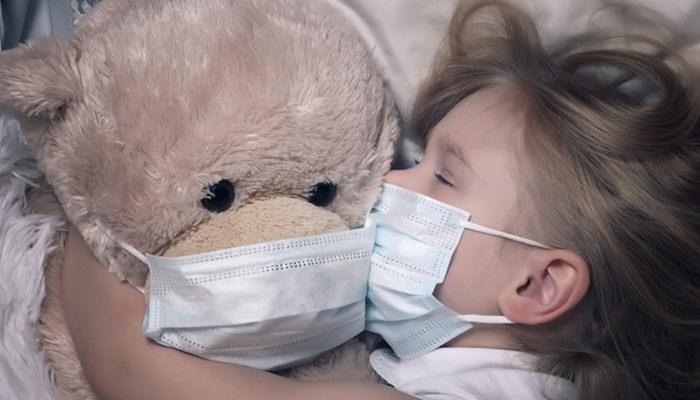 熱を出している子ども