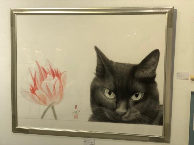 繊細なタッチの黒猫