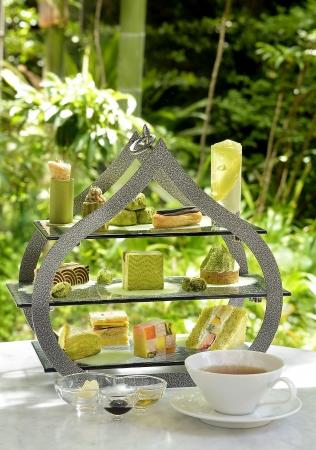さまざまな味わいのお茶スイーツを楽しめる「ロイヤルアフタヌーンティー 新緑」