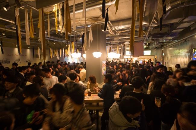 マツコ会議で話題のスイッチバー梅田茶屋町店! 250名収容の大型スタンディングバー。そしてこのたび、東京銀座コリドー街にもOPENが決定