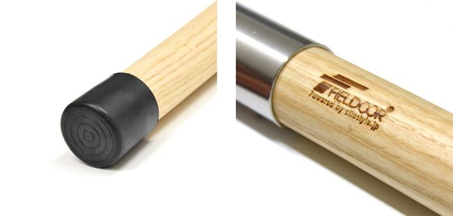 エンドキャップにはゴム製を採用。焼印のロゴが風合いあるデザインに。