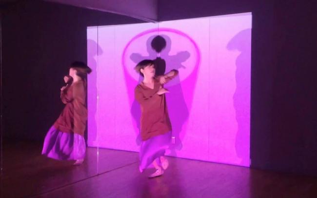 ダンサーasamicroとアーティスト近藤央希の初のコラボレーション