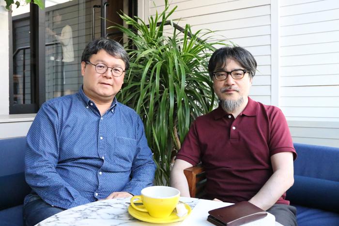 (左)聞き手のうにたもみいち、(右)山内ケンジ