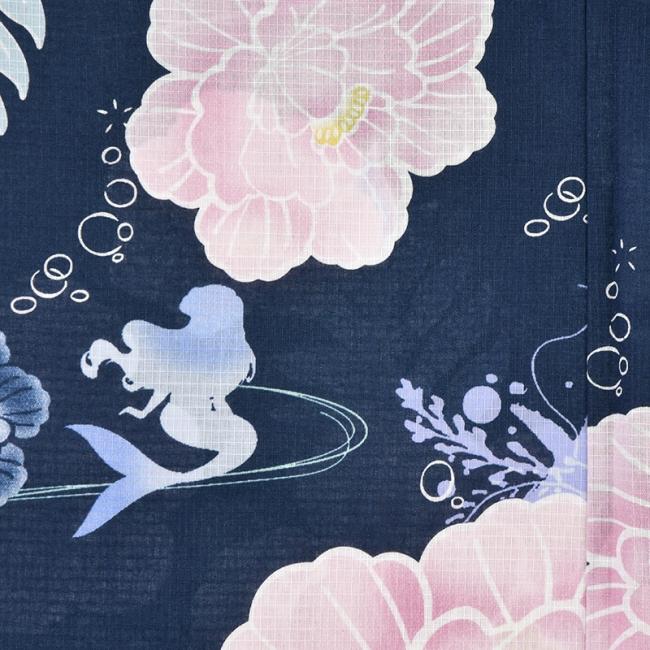 「浴衣 アリエル 藍色 牡丹」(C)Disney