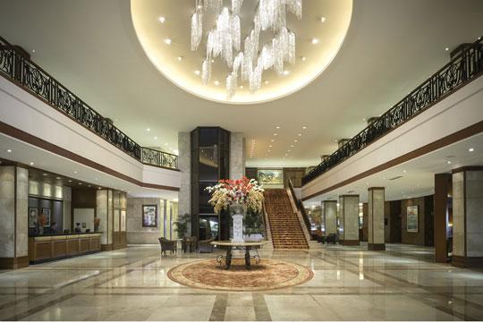 ▲ラグジュアリーなホテル「マルコポーロ・プラザ・セブ」★★★★★