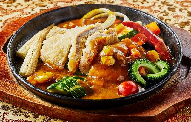 7月限定 千葉県産「恋する豚」の揚げ物鉄板焼きカレーソース 夏野菜と共に