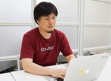 システムエンジニアたちのよりどころとなるコワーキングスペースを運営している田中さん