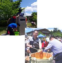 式典開始前に、六甲山小学校の児童がグルーム氏の銅像を清掃します