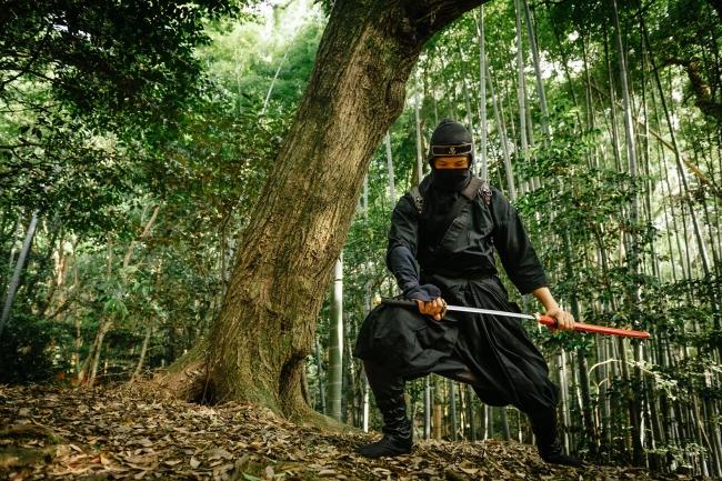 遠目に見ても忍者そのもの!本格的な衣装!