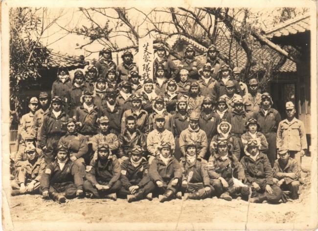 芙蓉部隊の隊員たち。平均年齢は21歳だった(『五月の蛍』より)