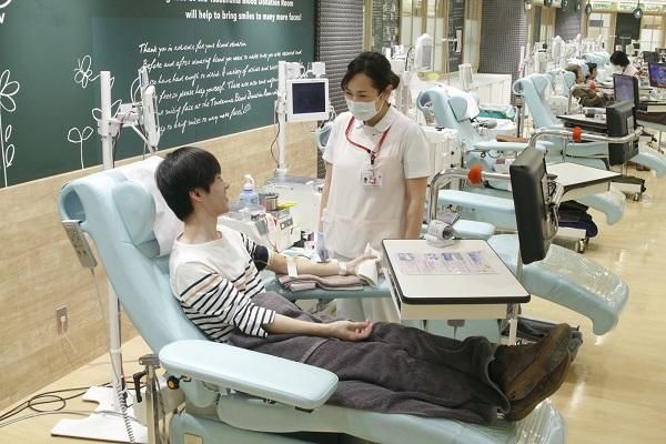 若者の献血者数が減少