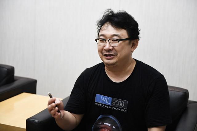 「『サイエンス』と『テクノロジー』の進歩がいや応なしに、私たちがこれまで信じていた『人間とは何か』という問いへの答えを揺るがし始めている」と語る吉川浩満氏