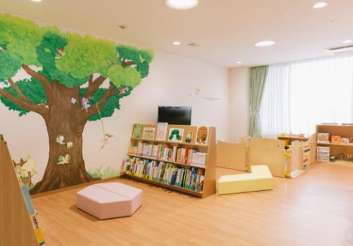 2018年10月に開所した大阪急性期・総合医療センター (大阪府)の「マニュライフわくわくるーむ」