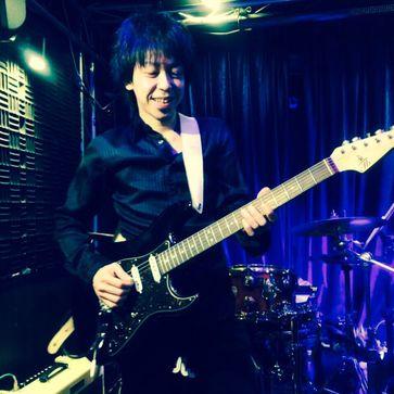 ギターリスト 立津 啓右氏