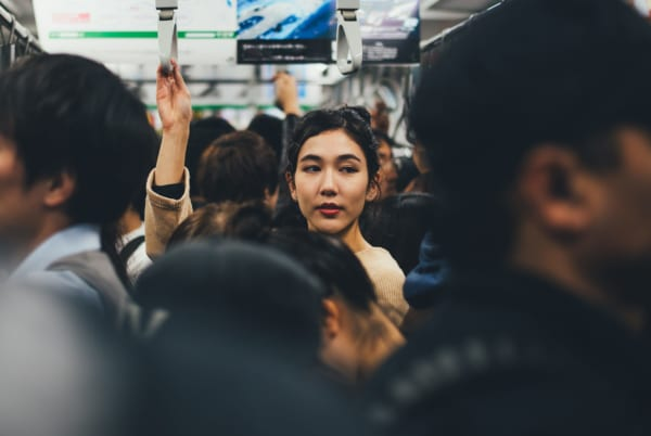 電車内に防犯カメラ