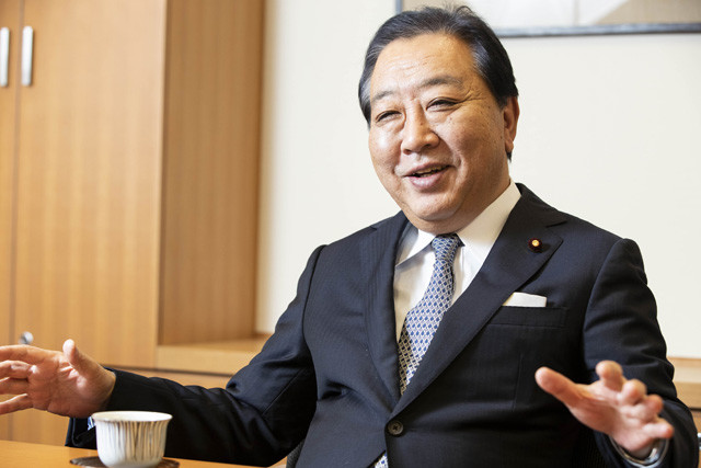野党の一部からは消費増税に反対する声も。だが、野田氏は「(民進党から分裂した党の議員は)3党合意で苦労したメンバーも多く、財政健全化は必要だとみんな思っている。足並みをそろえることは可能だと思います」と話す
