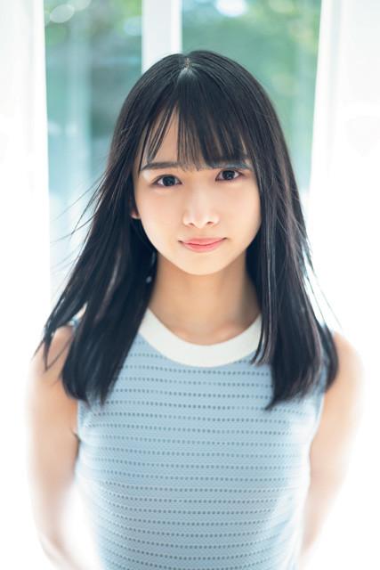 「ひらがなけやき」に加入した期待の超新星・上村ひなのちゃんが、『週刊プレイボーイ』のグラビアに登場!