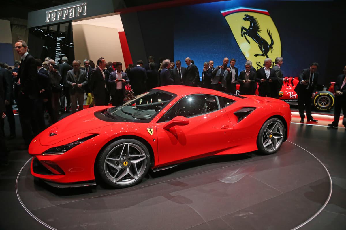 フェラーリ V8 SPORT