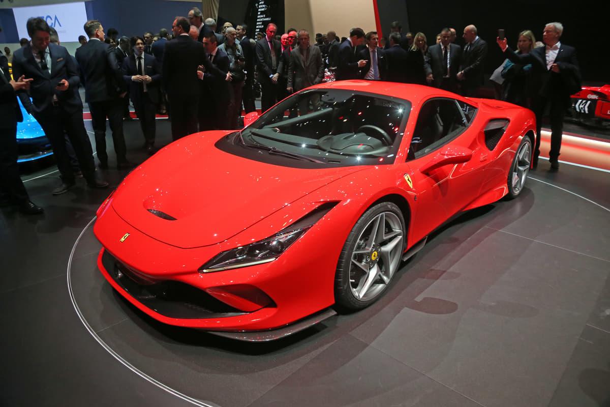 史上最強のV8モデル誕生か「フェラーリ V8 SPORT」を世界初披露
