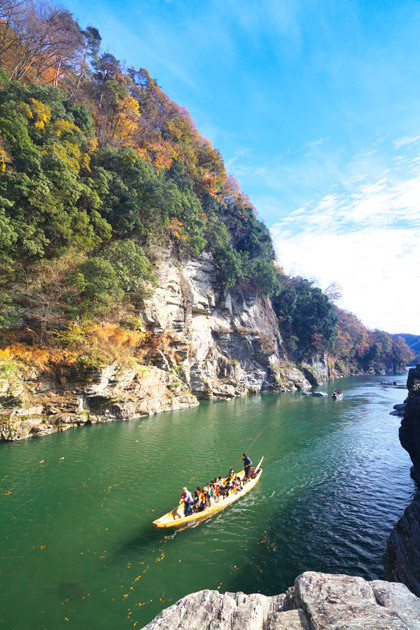 埼玉の観光地として有名な長瀞渓谷。船での川下りができる