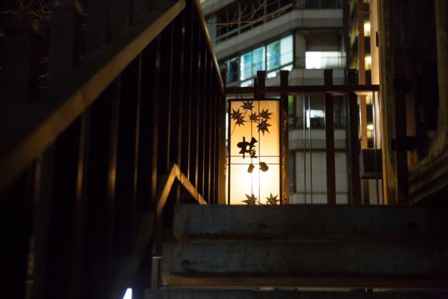 SUSHI  権八  西麻布(入り口)