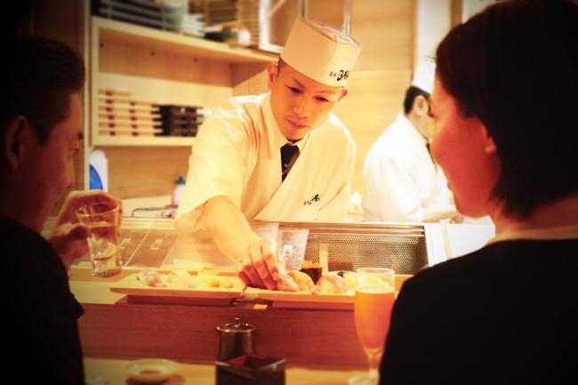 旨い寿司で相手の距離も縮まる
