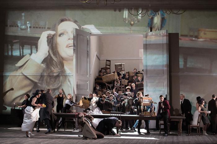 Christoph Loy's new production of La forza del destino (Dutch National Opera) (c) Monika Ritter