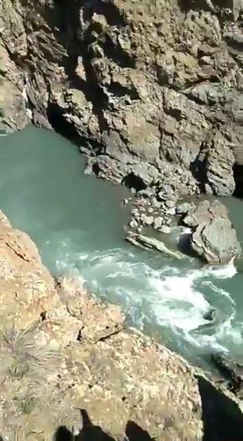 崖から落下