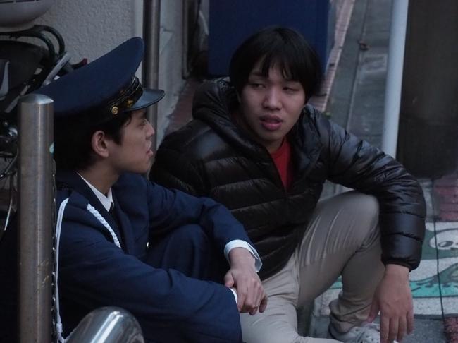 左から、劇団スポーツ主宰の内田倭史、ボクナリ主宰の榎本純