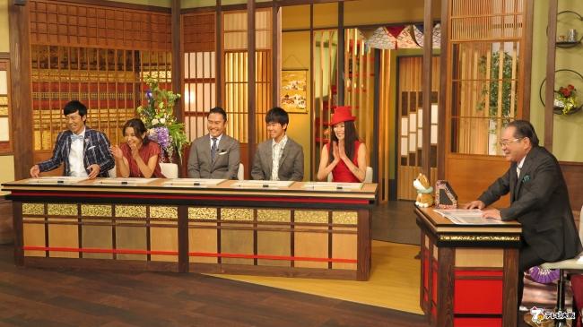 (左から)東貴博、鈴木紗理奈、市川右團次、鈴木福、萬田久子、前田吟