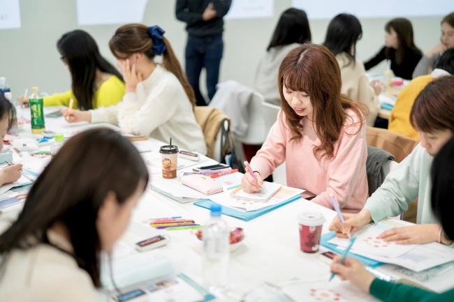 勉強会の様子(2019年春実施 きんゆう女子。学院の様子)