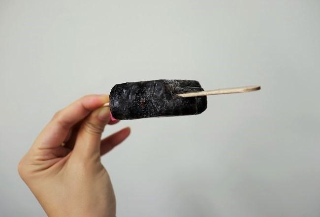 本当に黒い