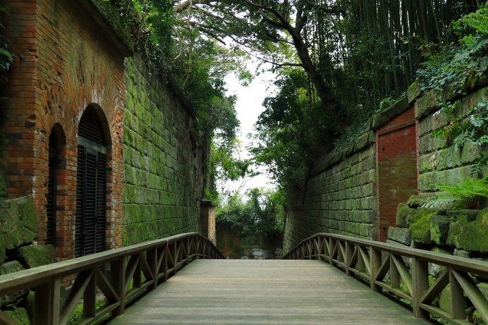 かつては砲台が置かれ、東京湾を守る要塞の島だった