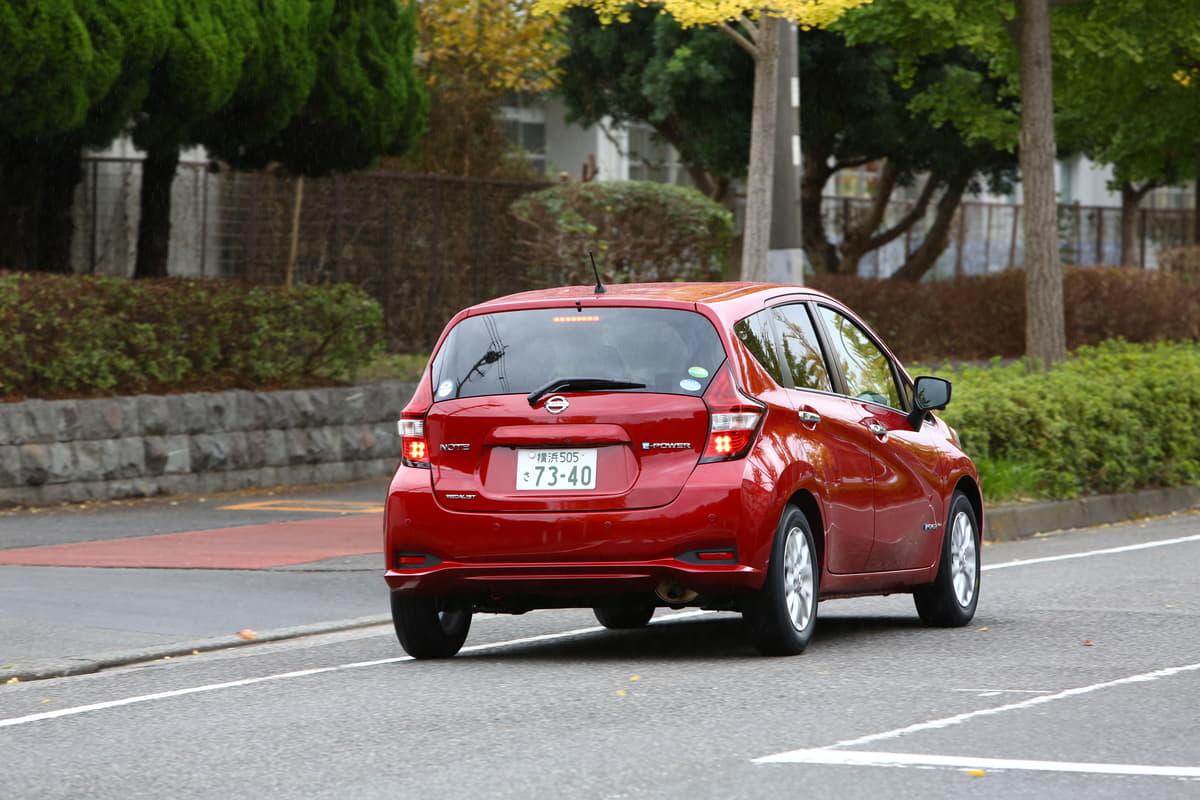電気自動車のワンペダルドライブがペダル踏み間違えを抑制